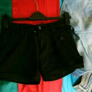 Hotpant hitam