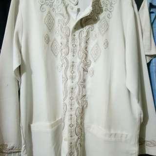 Baju koko putih