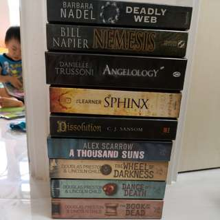 Thrillers fictions various authors