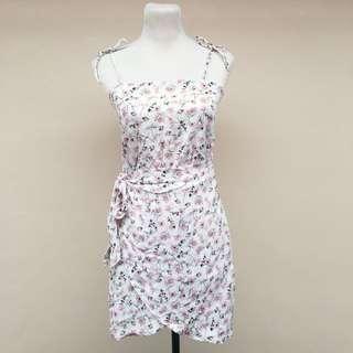 (BRAND NEW) side wrap floral dress