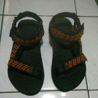 Sandal sepatu eiger