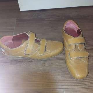 正品Bally鞋38号