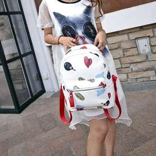 🚚 糖衣日系【全新商品】日系甜美童趣款學院百搭風撞色拼色多圖騰印刷圖案設計皮革後背包