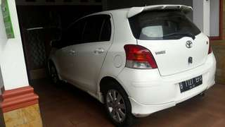 mobil yaris th 2011 type E matic