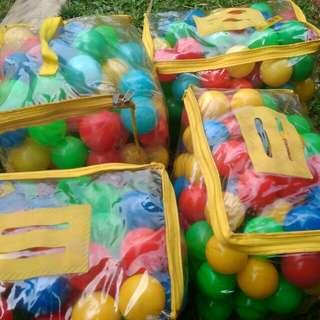4 bags plastic colorful balls