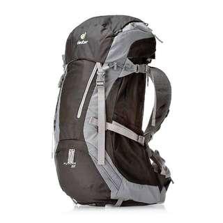 Deuter Futura 32 Travel/Hiking Backpack