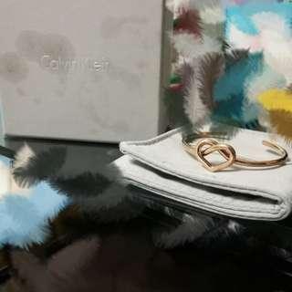Calvin Klein甜美愛心款玫瑰金手環