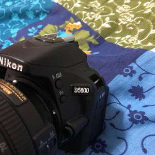 One year old NIKON 5600 with 18 - 140 lens ,dry cabin , Nikon side bag 💼