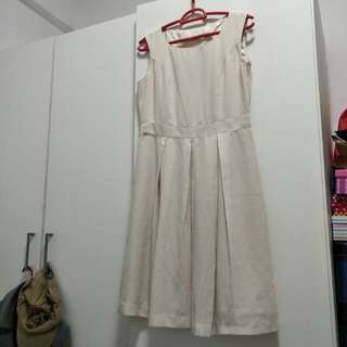 Off white dress (Size S to M)