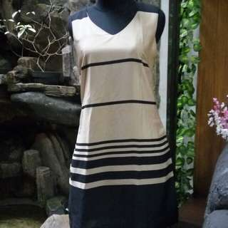 Dress kerja (formal / informal)