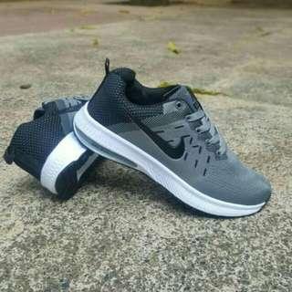 Sepatu sport cowok