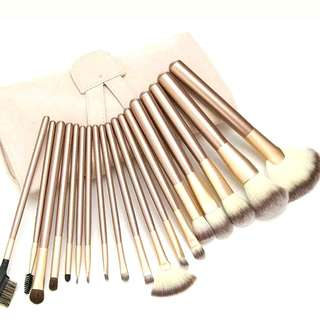 Free NM+BIG PUFF+EYE BROW STENCILS×3-Makeup Brush Set 18 Piece Professional Brushes With White Case Bag