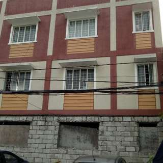 3 storey bldg. For sale