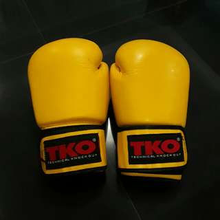 TKO BOXING GLOVES 10oz