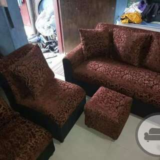Bulky sofa set
