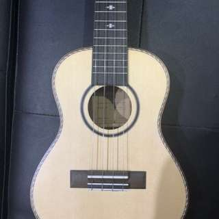 *OFFER* TOM Ukelele