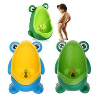 CUTE FROG BOYS URINAL POTTY TOILET TRAINER WALL-STANDING ( 10-409-01 )