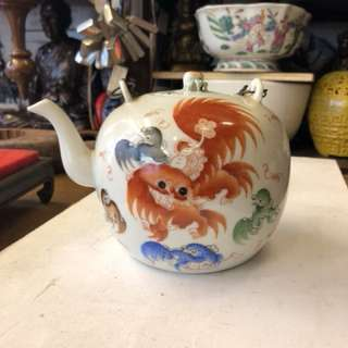 Old replica red foo dog and few colour foo dog Design tea pot