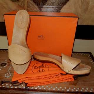 SALE!!! HERMES perforated leather 'H' wooden slide sandals