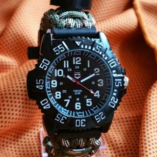 Rugged survival watch Army prints