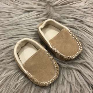Beige mocassin shoes