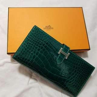 **減價出售😊**全新Hermes綠色鱷魚皮長銀包 Full set brand new in box