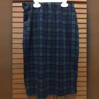 Preloved tartan skirt (green)