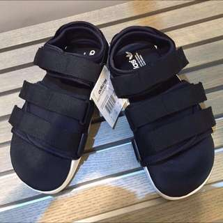 adilette Sandal 涼鞋