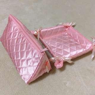 🚚 粉紅緞面化妝包+置物盤