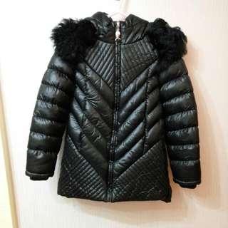 黑色有帽保暖外套