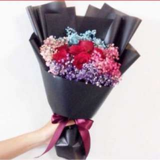 Red Roses with Rainbow Baby Breath / Colourful Baby Breath with Roses