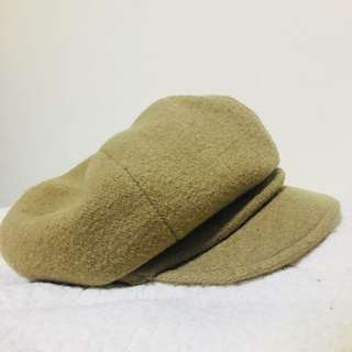香港2012年尾牙前的uniqlo帽子