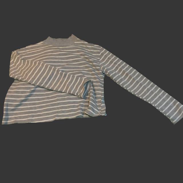 短版微高領條紋上衣