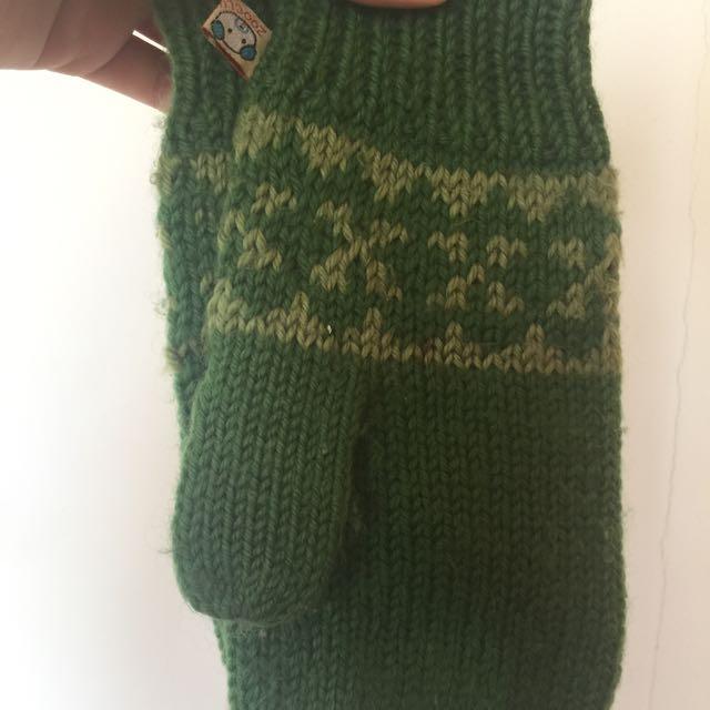 萌萌噠草綠色針織手套