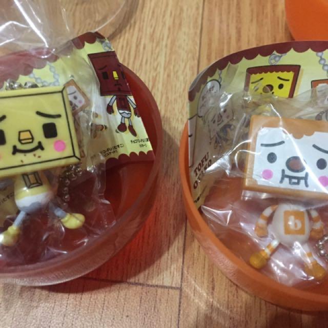 (全新)豆腐人 豆腐君 扭蛋 (2款各2個)單賣,可合購