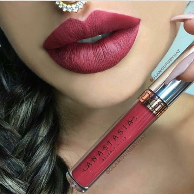 ABH Currant Liquid Lipstick