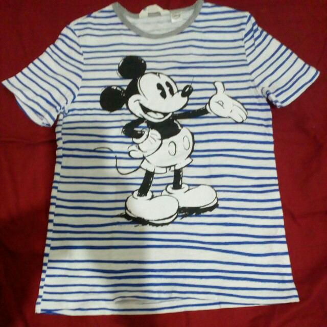 Authentic H&M Disney Tshirtfrom Dubai  for kids 10years old