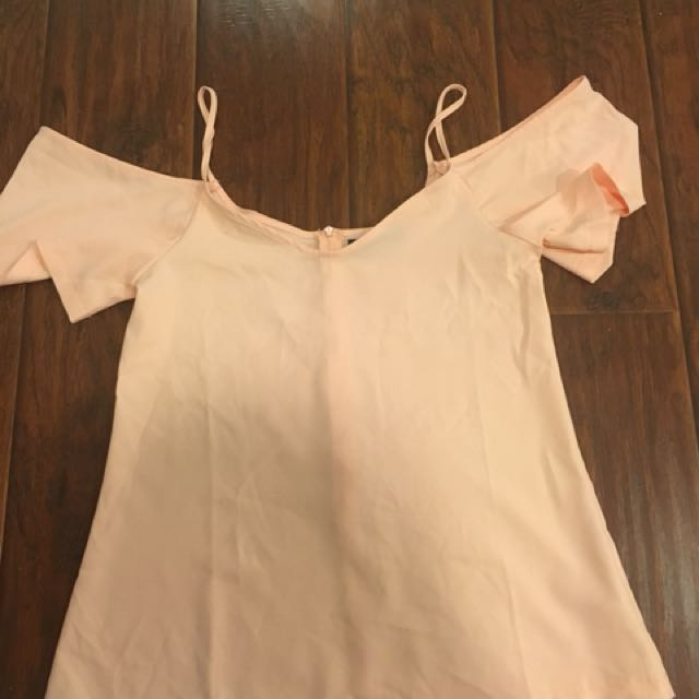 Boohoo off the shoulder top (peach color)