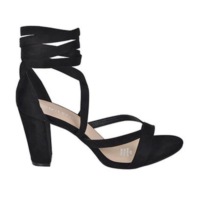 Brand New - tie up block heels - size 6 (will fit 6.5)