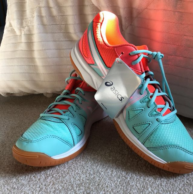 BRAND NEW Tennis/Running Shoes