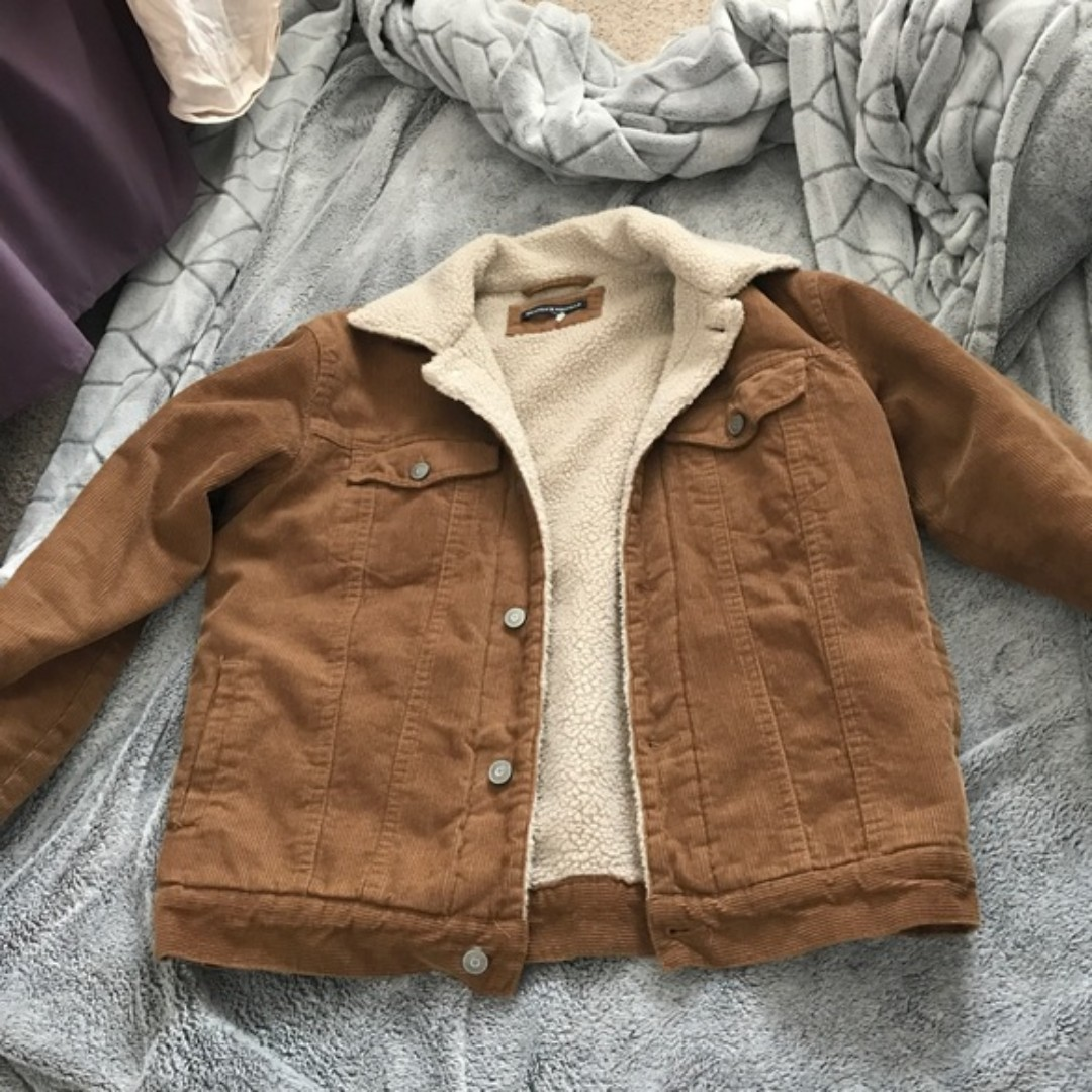 brandy melville corduroy jacket (1 flaw-see description)