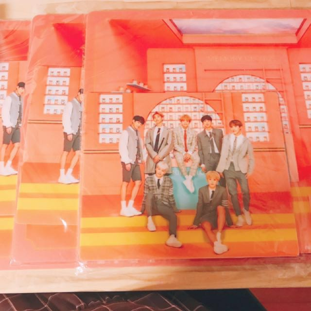 BTS 4th muster desk and mouse pad