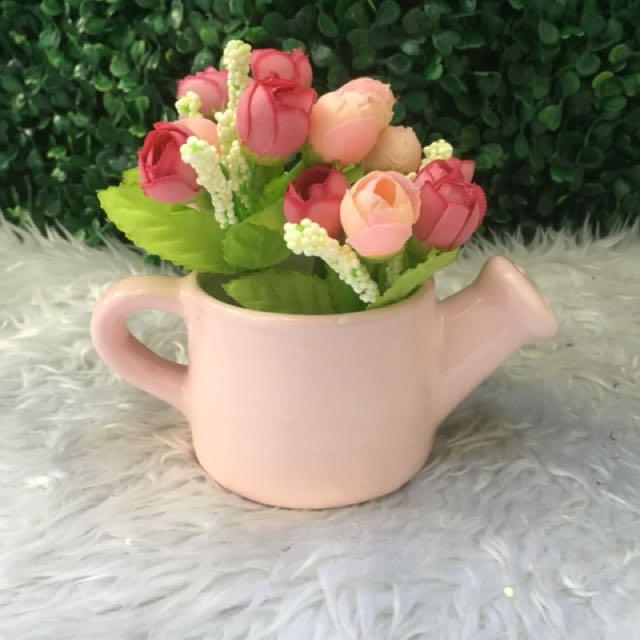 Ceramic sprinkler with flower