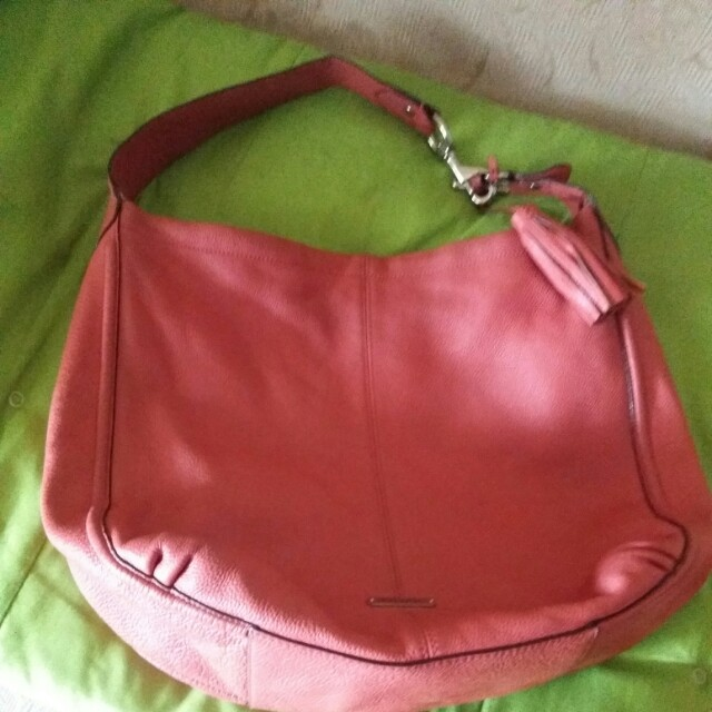 (Reduced price) :Coach Avery Leather Hobo