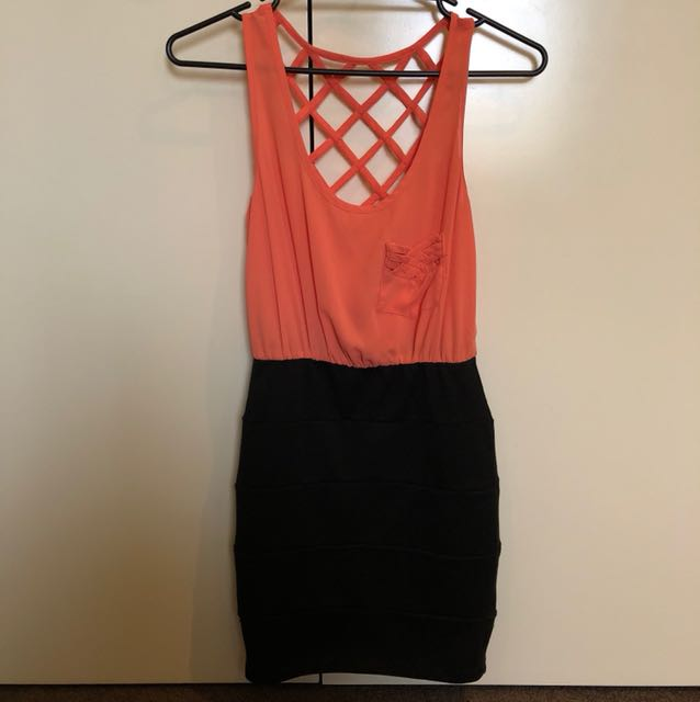 Coral dress sz 6