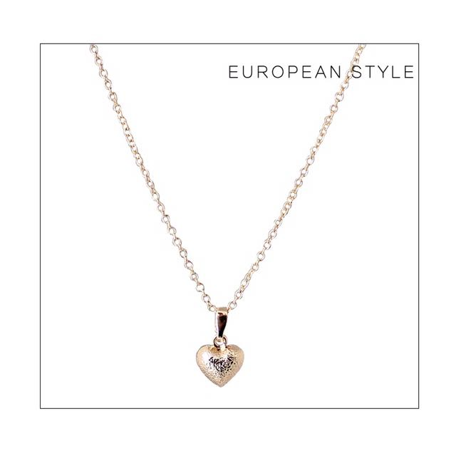 Cute heart necklace gold
