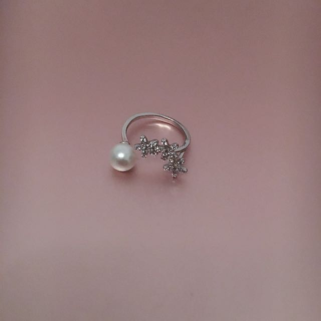 Cute silver adjustable ring pearl petite elegant