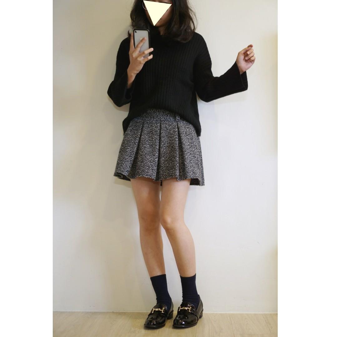 柔軟坑條微喇叭袖針織毛衣(黑色-F)