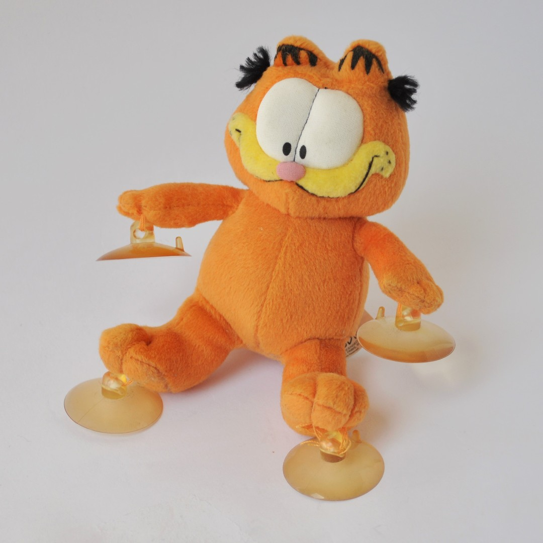 GARFIELD Suction Cup Hanging Car Window Toy