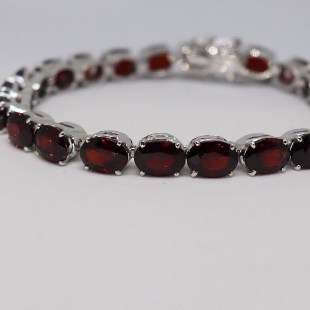 Garnet natural gemstones